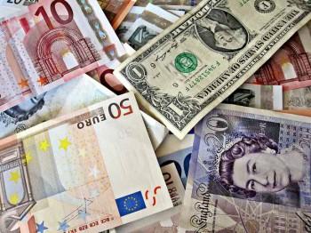 Geldscheine_CC by Images_of_Money